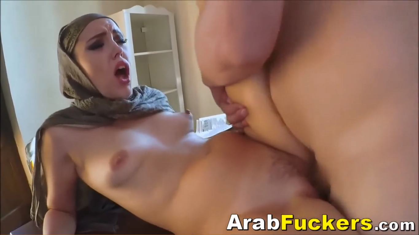 MIDDLE EASTERN HIJAB ARAB LOOKING FOR JOB ENDS UP SUCKING FOR CASH